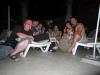 Посиделки ночью у бассейна. Среди нас бармен Биыляя. Классный парень.