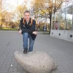 Во всем Таллине выставлены каменные голубки. По-моему, это мода в Европе: берут животное и ставят по всему городу это животное.
