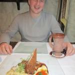 Перед употреблением самого вкусного в моей жизни блюда: поросенка с сыром и грибным соусом)